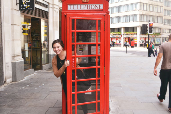 iconic red telephone booth in London