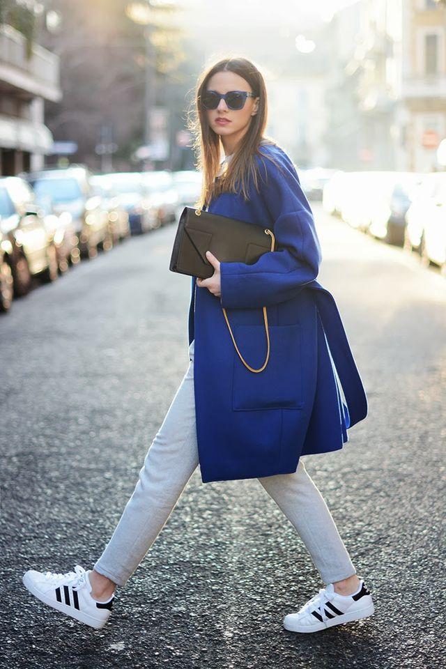 kassel-pinspiration-blue-coat-white-sneakers